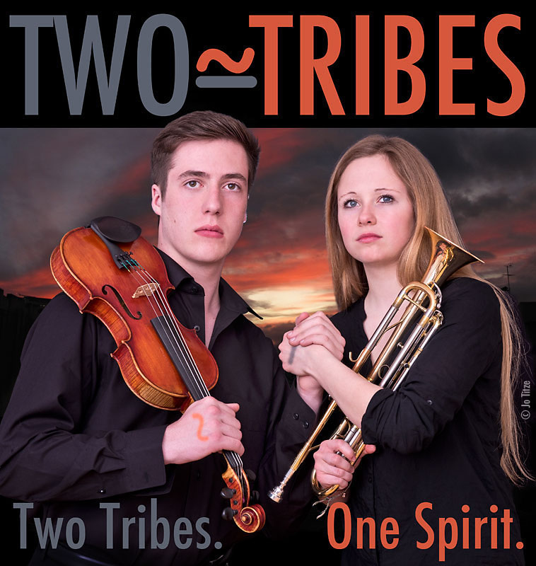 Bild vergr��ern: Two Tribes. One Spirit.